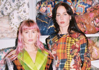 Rave Review – skapar lyxmode av filtar som visas i Gucci:s finrum